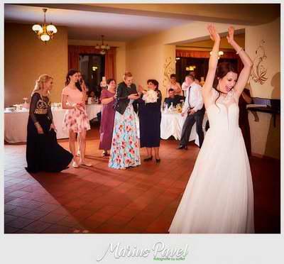 Fotografii ziua nuntii biserica Centru Civic Brasov