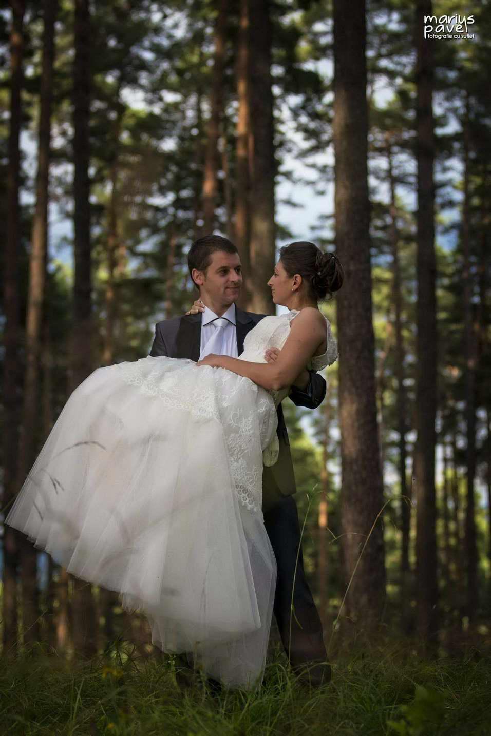 Sedinta foto dupa nunta - Trash the dress - Brasov